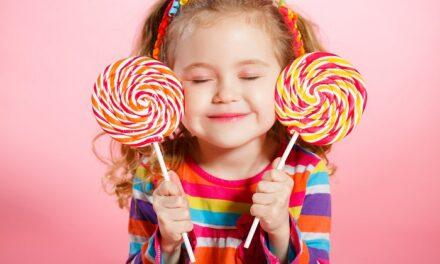 Pourquoi offrir moins de bonbons aux petits enfants?